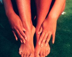 (pretty-feet)billie-5OXE3KjDEfI-unsplash